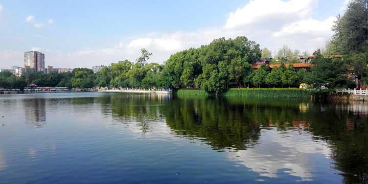 Kunming City View-Green Lake Park