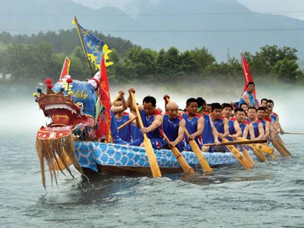 Fête des bateaux-dragons en Chine