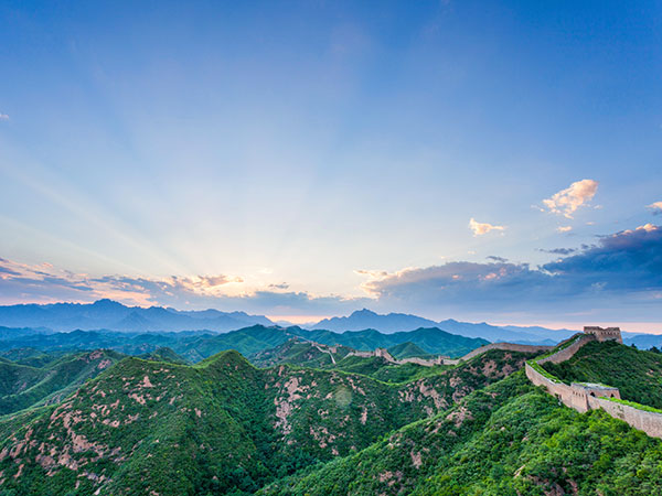 https://fr.topchinatravel.com/pic/ville/beijing/attractions/badaling-great-wall-1.jpg