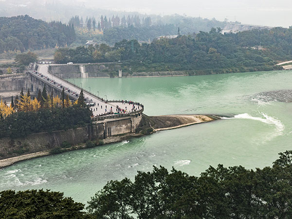 https://fr.topchinatravel.com/pic/ville/chengdu/attractions/Dujiangyan-Irrigation-System-11.jpg