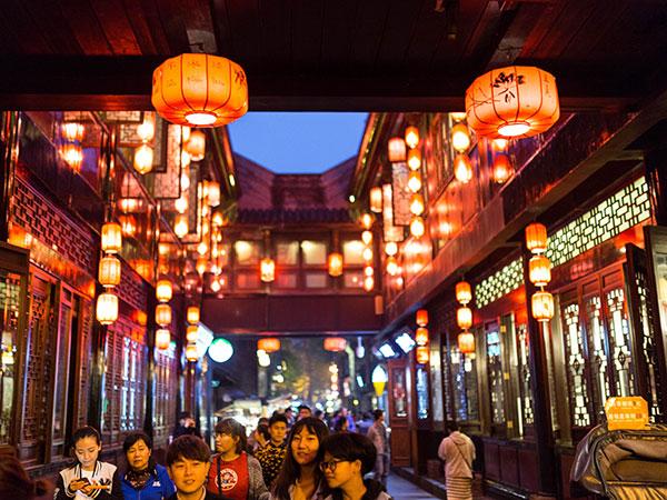 https://fr.topchinatravel.com/pic/ville/chengdu/attractions/jinli-old-street-06.jpg