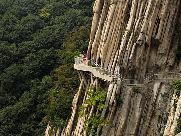 https://fr.topchinatravel.com/pic/ville/dengfeng/attractions/mount-songshan-01.jpg