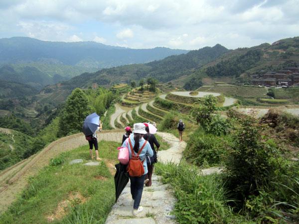 https://fr.topchinatravel.com/pic/ville/guilin/attractions/longji-hiking-6.jpg