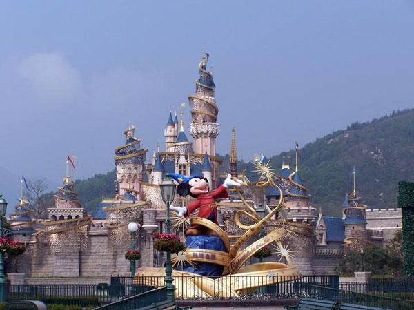 https://fr.topchinatravel.com/pic/ville/hongkong/attractions/disney-land-hong-kong-01.jpg