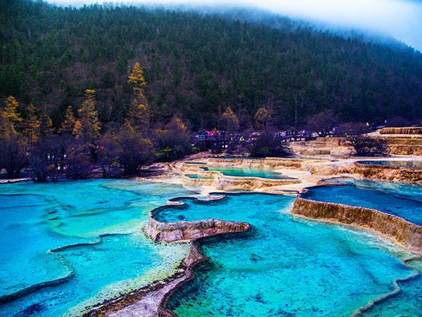 https://fr.topchinatravel.com/pic/ville/jiuzhaigou/attractions/huanglong-scenic-area-13.jpg