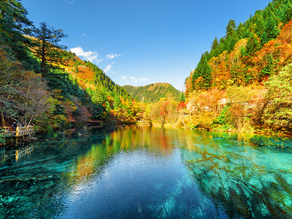 https://fr.topchinatravel.com/pic/ville/jiuzhaigou/attractions/jiuzhaigou-scenic-area-1.jpg