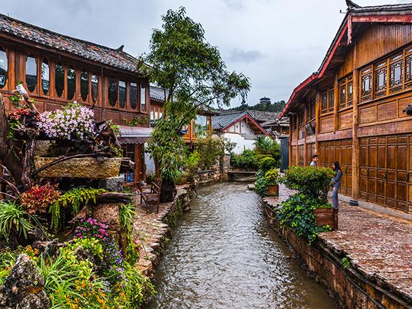 https://fr.topchinatravel.com/pic/ville/lijiang/attractions/lijiang-ancient-town-8.jpg