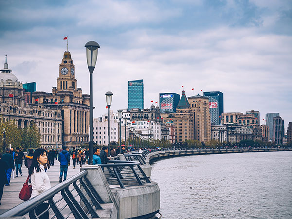 https://fr.topchinatravel.com/pic/ville/shanghai/attractions/the-bund-16.jpg