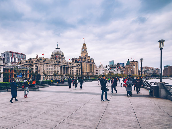 https://fr.topchinatravel.com/pic/ville/shanghai/attractions/the-bund-18.jpg