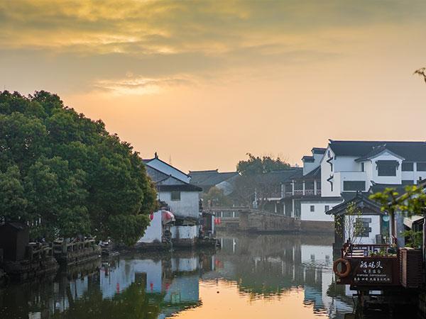 https://fr.topchinatravel.com/pic/ville/suzhou/acttractions/Tongli-Water-Town-11.jpg