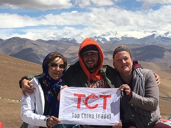 https://fr.topchinatravel.com/pic/ville/tibet/clients/tct-clients-everest-05.jpg