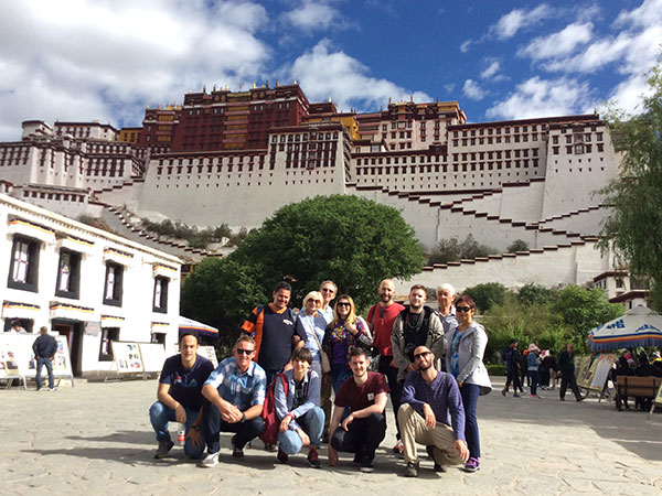 https://fr.topchinatravel.com/pic/ville/tibet/clients/tct-clients-potala-palace-09.jpg