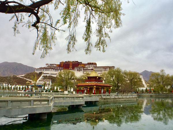 https://fr.topchinatravel.com/pic/ville/tibet/lhasa/attractions/Potala-Palace-25.jpg