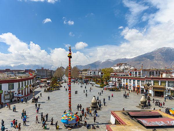 https://fr.topchinatravel.com/pic/ville/tibet/lhasa/lhasa-city-view-5.jpg