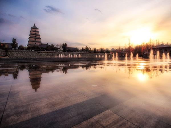 https://fr.topchinatravel.com/pic/ville/xian/attractions/Big-Wild-Goose-Pagoda-9.JPG